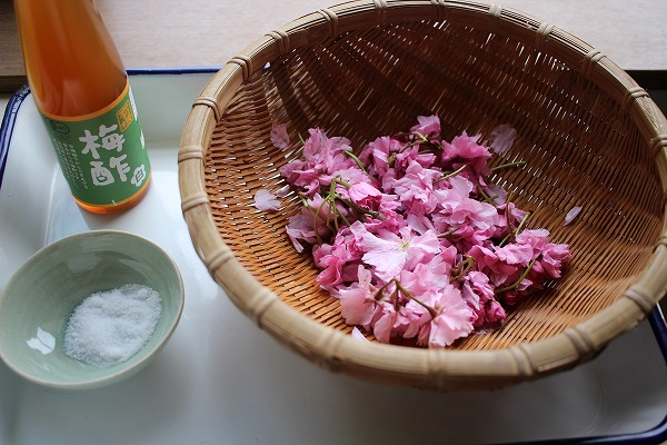 桜の塩漬け材料